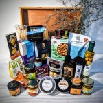 Give the Ultimate Byron Bay gift, by gifting this hamper full of delicious chutneys and assorted jams, macadamia oil, saltbush macadamia nuts, deck of topped dark chocolate, cookies, salt & seed crackers, local hot sauce, chocolate coated macadamias, lemon myrtle fudge, crispbread, semi-dried olives, hazelnut chocolate spread, spiced dukkah, BBQ rub, honey, fruit & nut slice, whiskey marmalade, pickle, locally roasted Australian coffee & chocolate coated espresso beans
